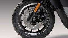 Nuovo Kymco Like 125 Sport 2021: il disco anteriore da 220 mm di diametro
