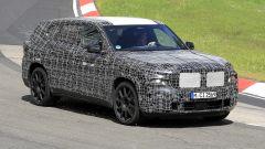 BMW X8, nuove foto spia dal 'Ring del giga SUV (poco) coupé - Immagine: 3