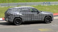 BMW X8, nuove foto spia dal 'Ring del giga SUV (poco) coupé - Immagine: 4
