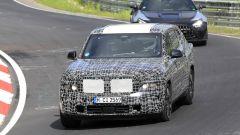 BMW X8, nuove foto spia dal 'Ring del giga SUV (poco) coupé - Immagine: 6