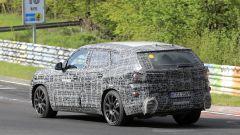 BMW X8, nuove foto spia dal 'Ring del giga SUV (poco) coupé - Immagine: 9
