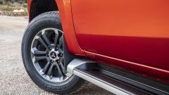 Nuovo Mitsubishi L200 2019: i cerchi in lega e la pedana esterna