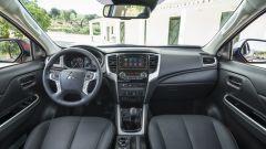 Nuovo Mitsubishi L200 2020: l'abitacolo moderno e spazioso