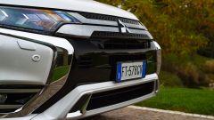 Nuovo Mitsubishi Outlander PHEV 2019: dettaglio del frontale