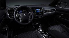 Nuovo Mitsubishi Outlander PHEV 2019: la plancia