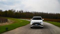 Nuovo Mitsubishi Outlander PHEV 2019: vista frontale