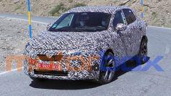Nuovo Nissan Qashqai 2021: visuale di 3/4 anteriore