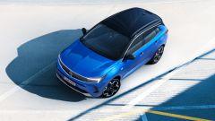 """Opel Grandland 2021, """"fari"""" sul restyling. Tutte le novità - Immagine: 5"""