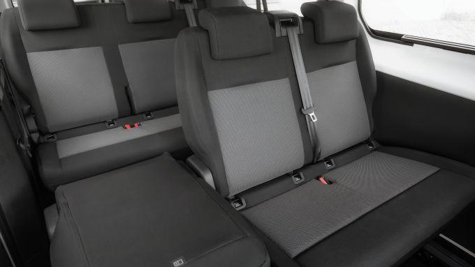 Nuovo Opel Vivaro Life, abitacolo fino a 9 posti