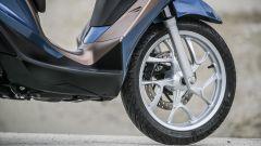 Nuovo Piaggio Medley: il nuovo cerchio in lega leggera e il freno a disco anteriore da 260 mm