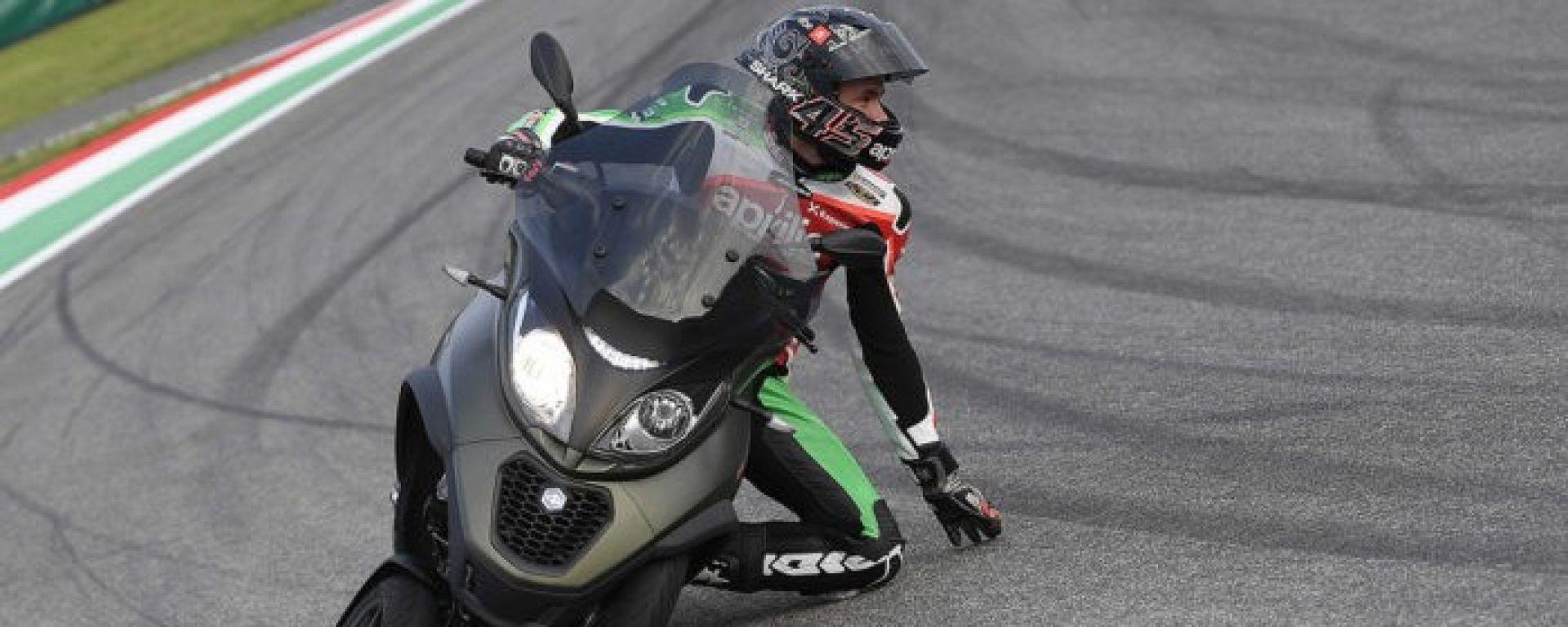 Nuovo Piaggio MP3: I piloti MotoGP Aprilia lo portano al Mugello