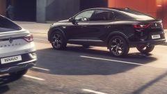 Nuovo Renault Arkana E-Tech 145, il SUV coupé ora è anche full hybrid