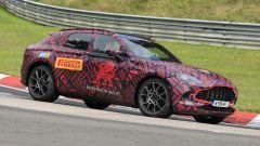Nuovo Suv Aston Martin DBX: pizzicato in pista