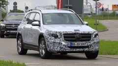 Nuova Mercedes GLB, primo teaser della versione di serie - Immagine: 4