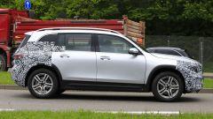 Nuova Mercedes GLB, primo teaser della versione di serie - Immagine: 8