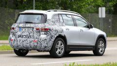 Nuova Mercedes GLB, primo teaser della versione di serie - Immagine: 7