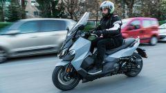 Nuovo Sym Maxsym TL 500: in città si muove agilmente