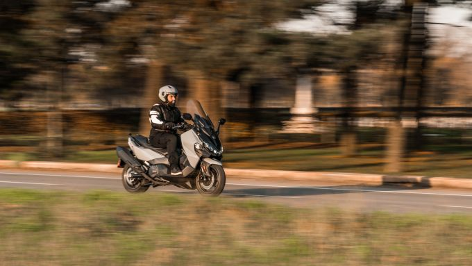 Nuovo Sym Maxsym TL 500: ottimo compromesso su strada fra sportività e comfort