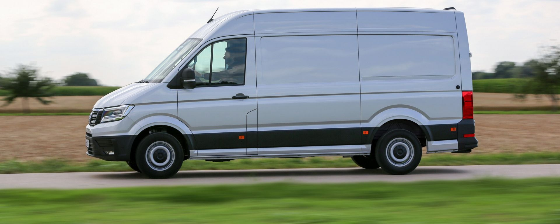 Nuovo Volkswagen Crafter 2017: vista laterale