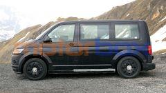 Nuovo Volkswagen ID.Buzz: il van elettrico durante i test su strada