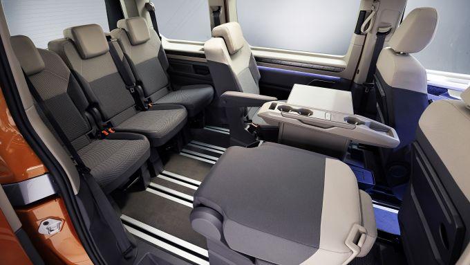 Nuovo Volkswagen Multivan: sedili pieghevoli