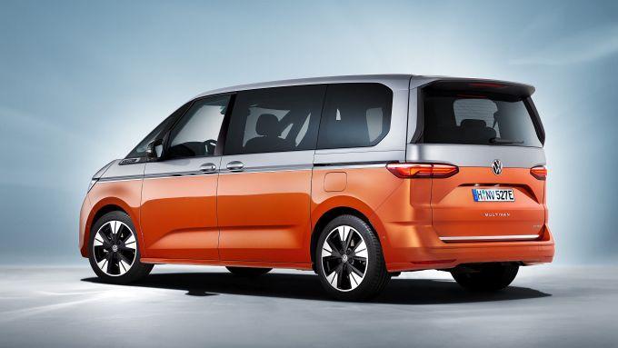 Nuovo Volkswagen Multivan: visuale di 3/4 posteriore