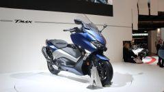 Nuovo Yamaha TMAX: vista 3/4 anteriore