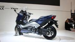 Nuovo Yamaha TMAX: vista 3/4 posteriore