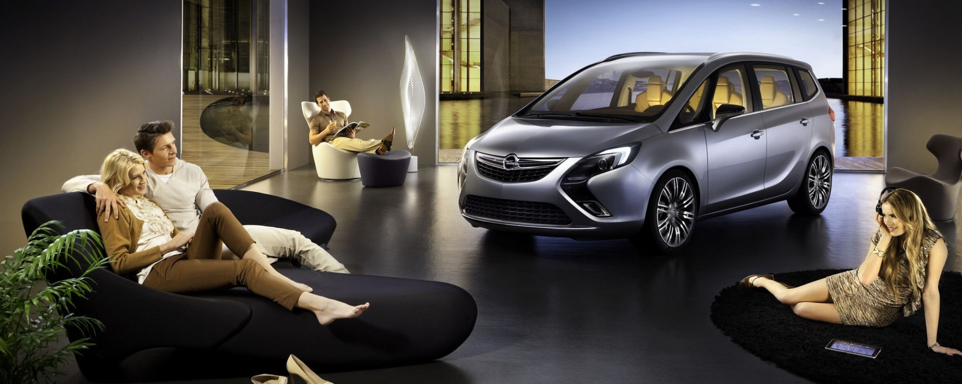 Video Opel Zafira Tourer Concept