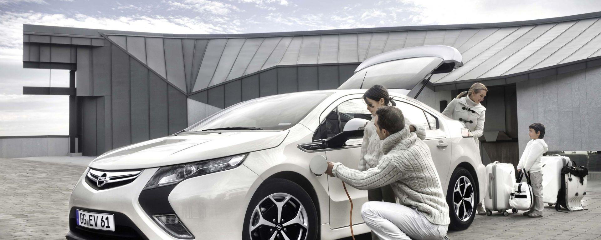Opel Ampera: 70 nuove foto in HD