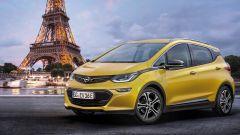 Opel Ampera-e: al salone di Parigi 2016 la gemella della Bolt EV (video)  - Immagine: 1