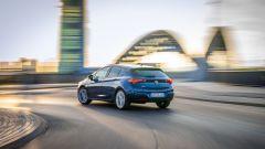 Opel Astra 2019: il posteriore con i fari Led