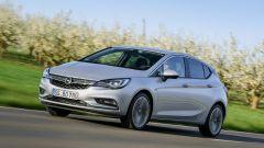 Opel Astra 5p 1.6 CDTI BiTurbo: prezzi da 27.100 euro - Immagine: 2