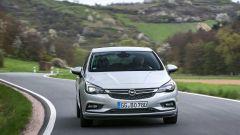 Opel Astra 5p 1.6 CDTI BiTurbo: prezzi da 27.100 euro - Immagine: 3
