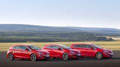 Opel Astra BiTurbo - Immagine: 2