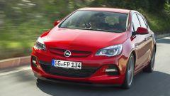 Opel Astra BiTurbo - Immagine: 1