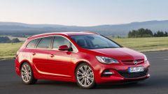 Opel Astra BiTurbo - Immagine: 5