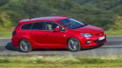 Opel Astra BiTurbo - Immagine: 8