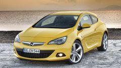 Opel Astra GTC in dettaglio - Immagine: 8