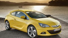 Opel Astra GTC in dettaglio - Immagine: 9
