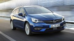 Opel Astra Sports Tourer, tre quarti anteriore