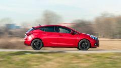 Opel Astra Ultimate: fiancata destra
