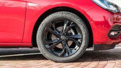 Opel Astra Ultimate: i cerchi in lega da 17 pollici