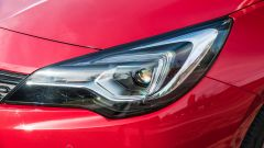 Opel Astra Ultimate: i fari IntelliLux Matrix LED