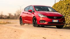 Opel Astra Ultimate: il 3/4 anteriore