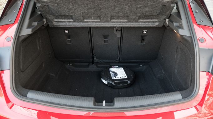 Opel Astra Ultimate: il bagagliaio