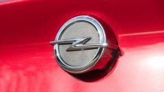 Opel Astra Ultimate: il logo Opel