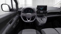 Opel Combo-e 2021, interni: l'abitacolo e lo schermo touch da 8