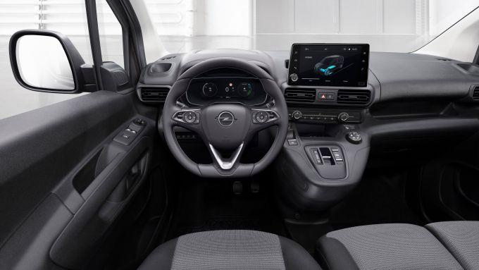 Opel Combo-e 2021, interni: l'abitacolo