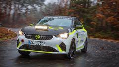 La nuova Opel Corsa-e Rally impegnata nei primi test al Centro Prove di Dudenhofen